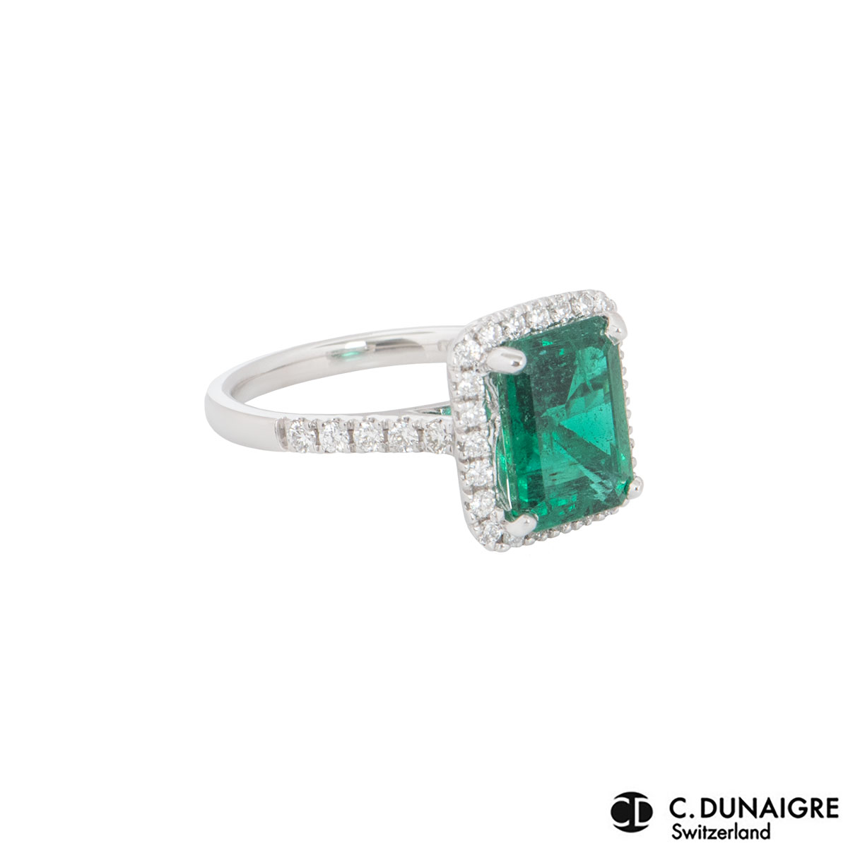 White Gold Diamond And Emerald Ring 3.06ct